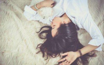 5 astuces naturelles pour stopper les ruminations mentales au moment du coucher
